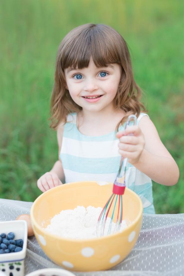 ATLANTA-CHILD-PHOTOGRAPHER-STYLED-BAKING-PICNIC-0283