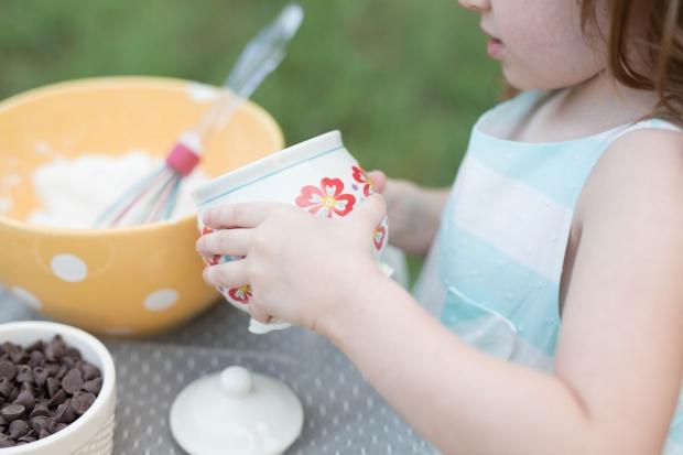 ATLANTA-CHILD-PHOTOGRAPHER-STYLED-BAKING-PICNIC-0287