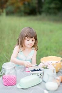 ATLANTA-CHILD-PHOTOGRAPHER-STYLED-BAKING-PICNIC-0303