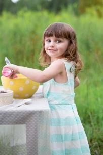 ATLANTA-CHILD-PHOTOGRAPHER-STYLED-BAKING-PICNIC-0323